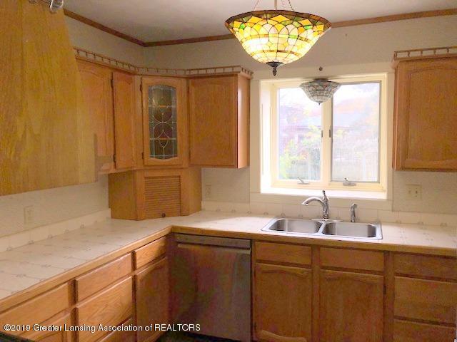 2209 S Washington Ave - Kitchen - 12