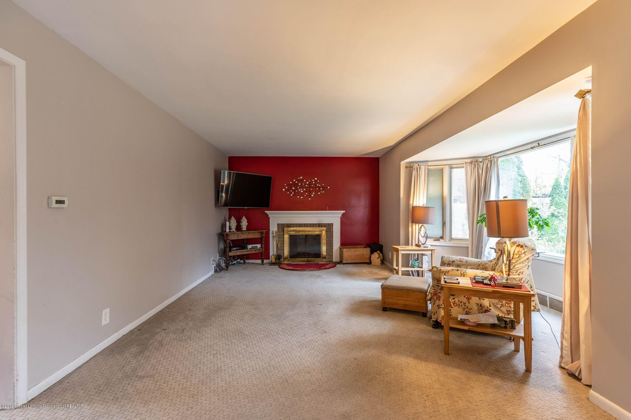1211 W Thomas L Pkwy - Living room - 11