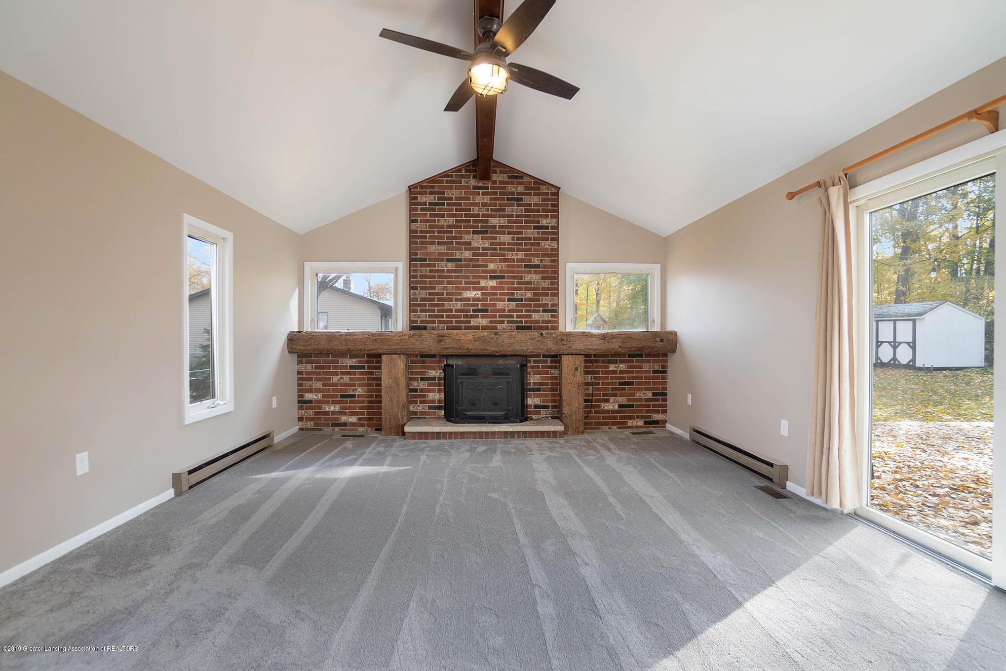 11418 Nixon Rd - Living Room - 16