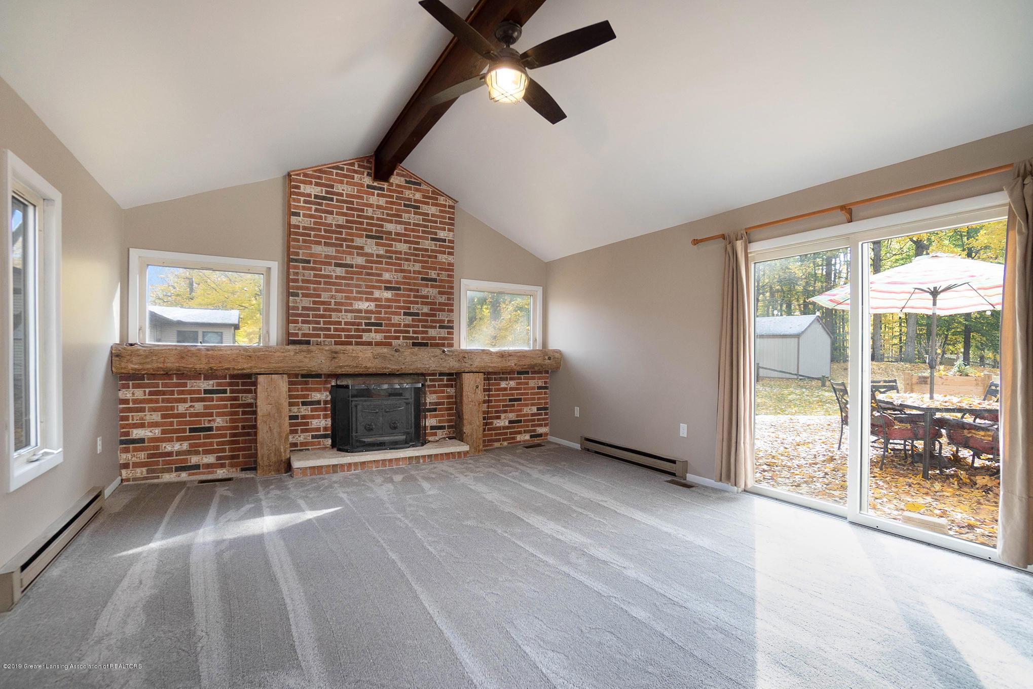11418 Nixon Rd - Living Room - 17