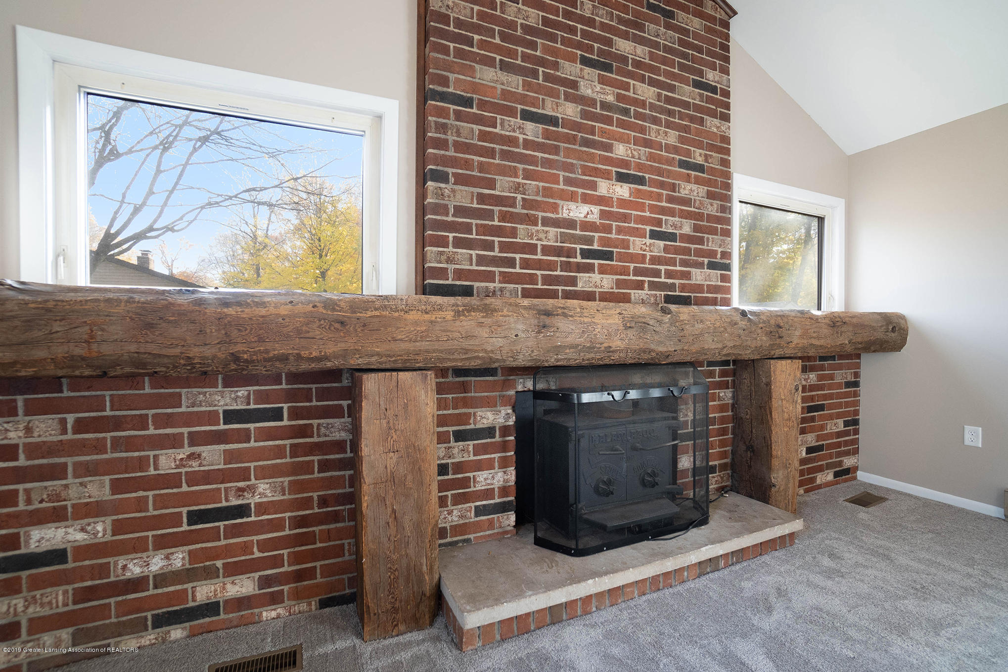 11418 Nixon Rd - Fire Place - 18
