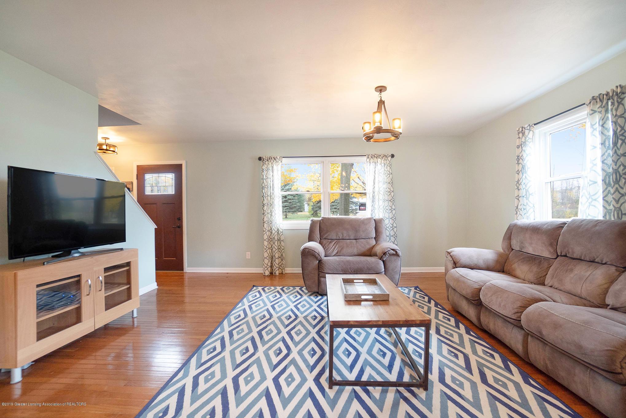 11418 Nixon Rd - Living Area - 8