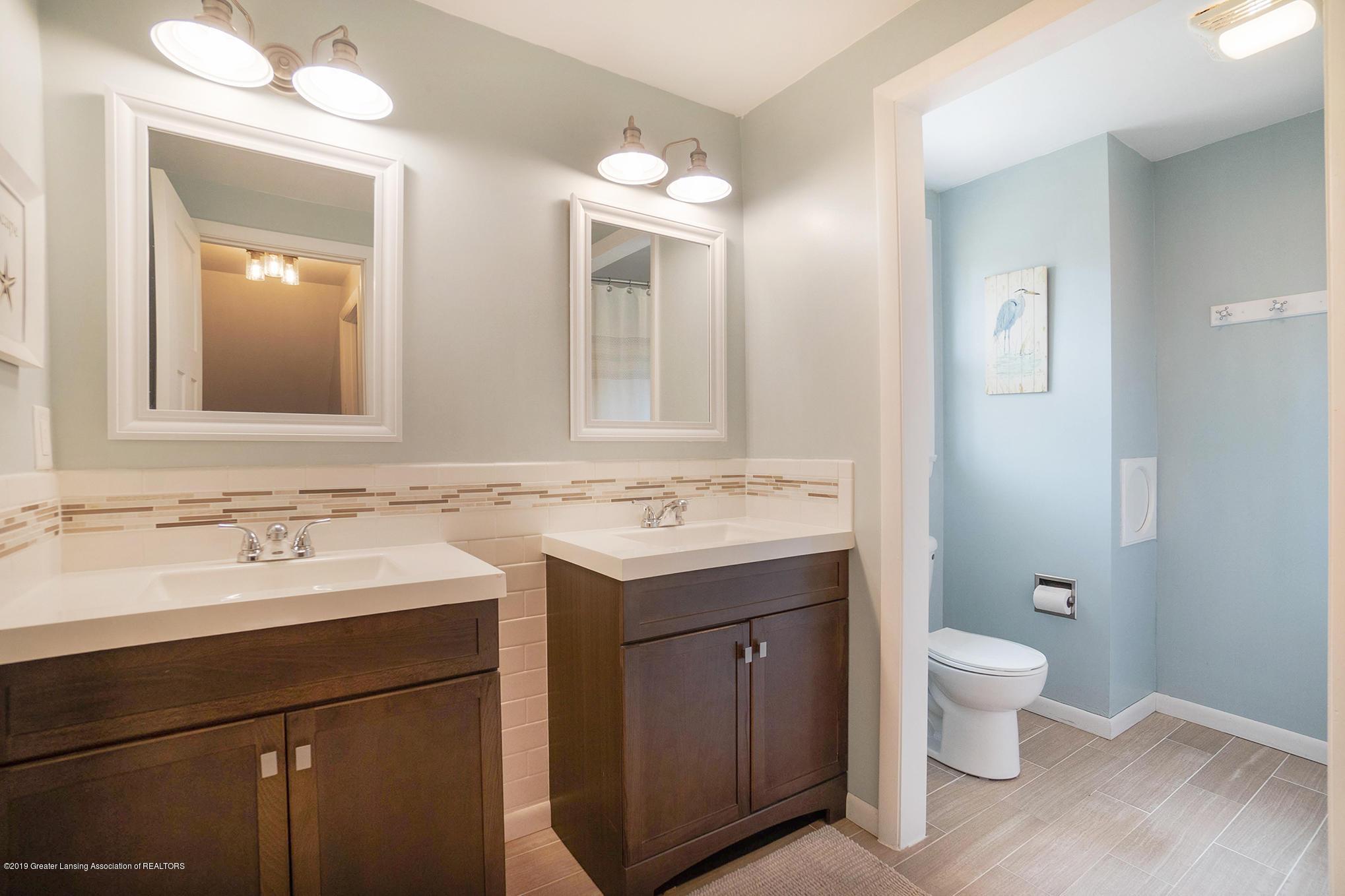 11418 Nixon Rd - Upstairs Full Bath - 26