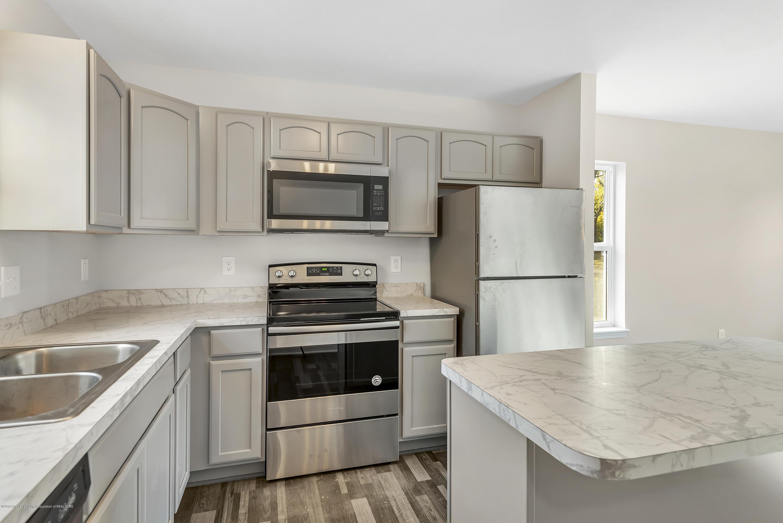 5945 Selfridge Blvd - kitchen island - 13