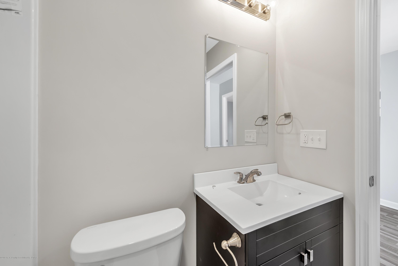 5945 Selfridge Blvd - upstairs bath - 15
