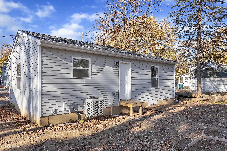5945 Selfridge Blvd - rear porch - 27