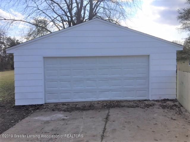 3427 W Jolly Rd - Garage - 28