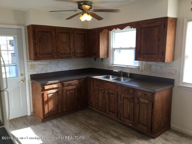 3427 W Jolly Rd - Kitchen - 6