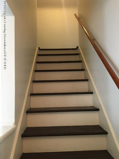 3427 W Jolly Rd - Stairway - 15