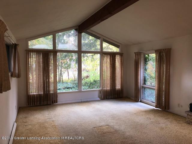 1435 N Harrison Rd - Living Room - 3