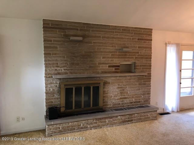1435 N Harrison Rd - Fireplace - 6