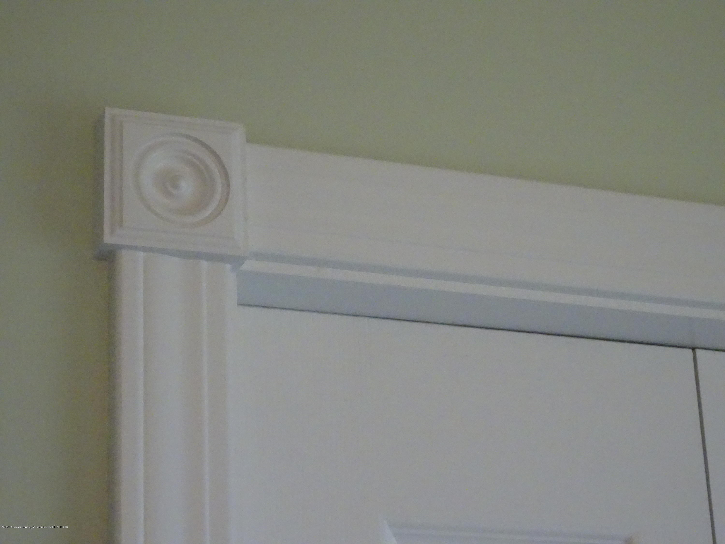 10010 Garrison Rd - ornate moldings - 23