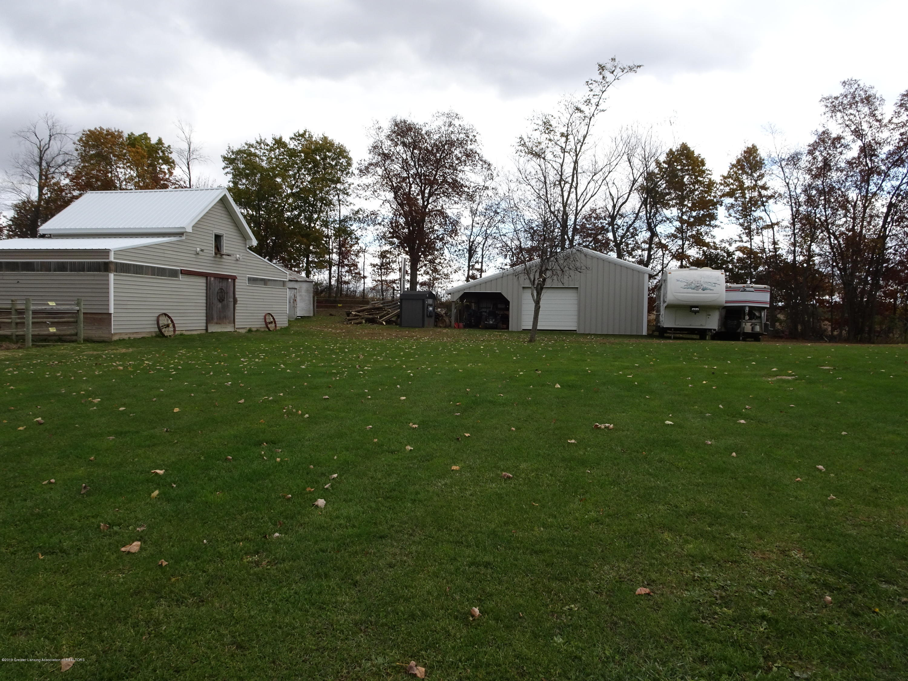 10010 Garrison Rd - two barns - 31