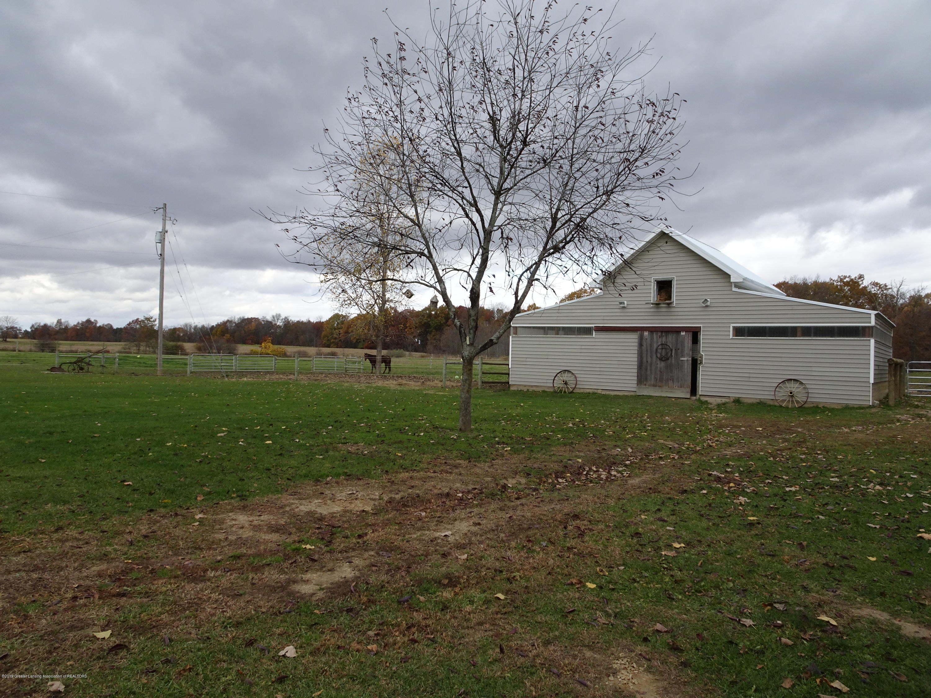 10010 Garrison Rd - horse barn and pasture - 35