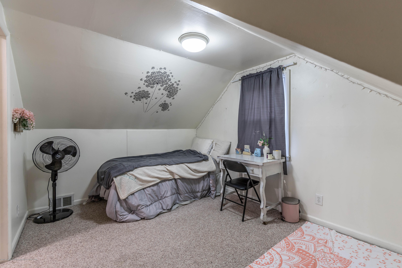 581 Cornell Ave - cornell 4th bedroom - 21