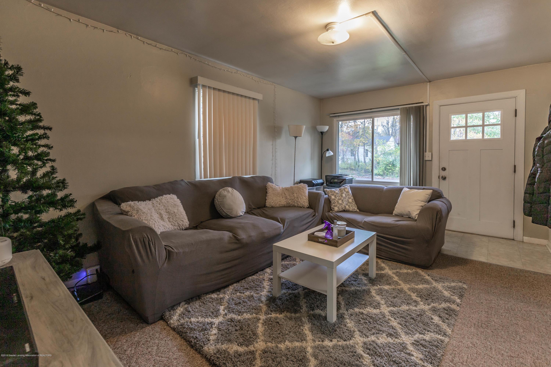 581 Cornell Ave - cornell living room - 5