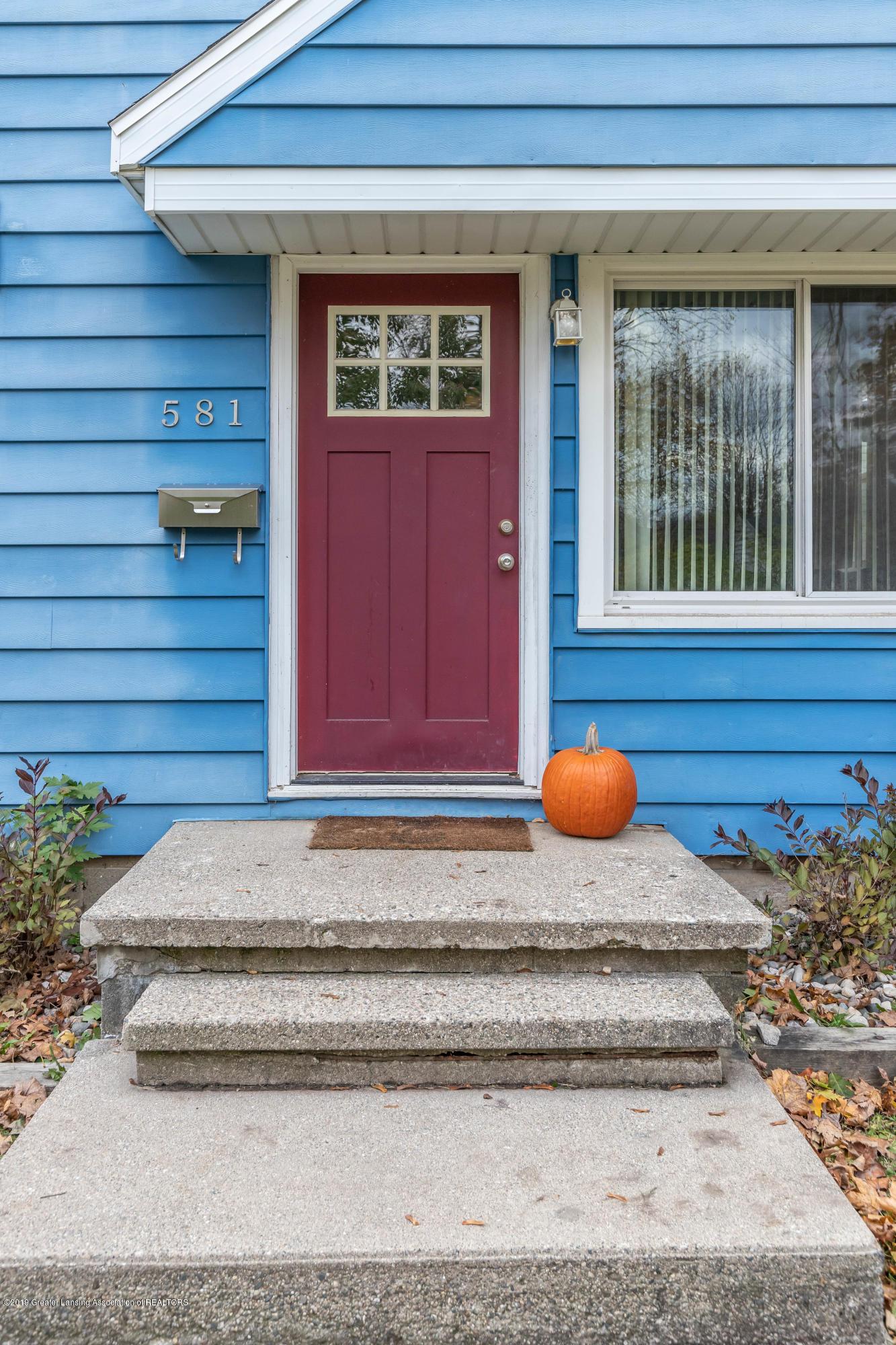 581 Cornell Ave - cornell front door - 3