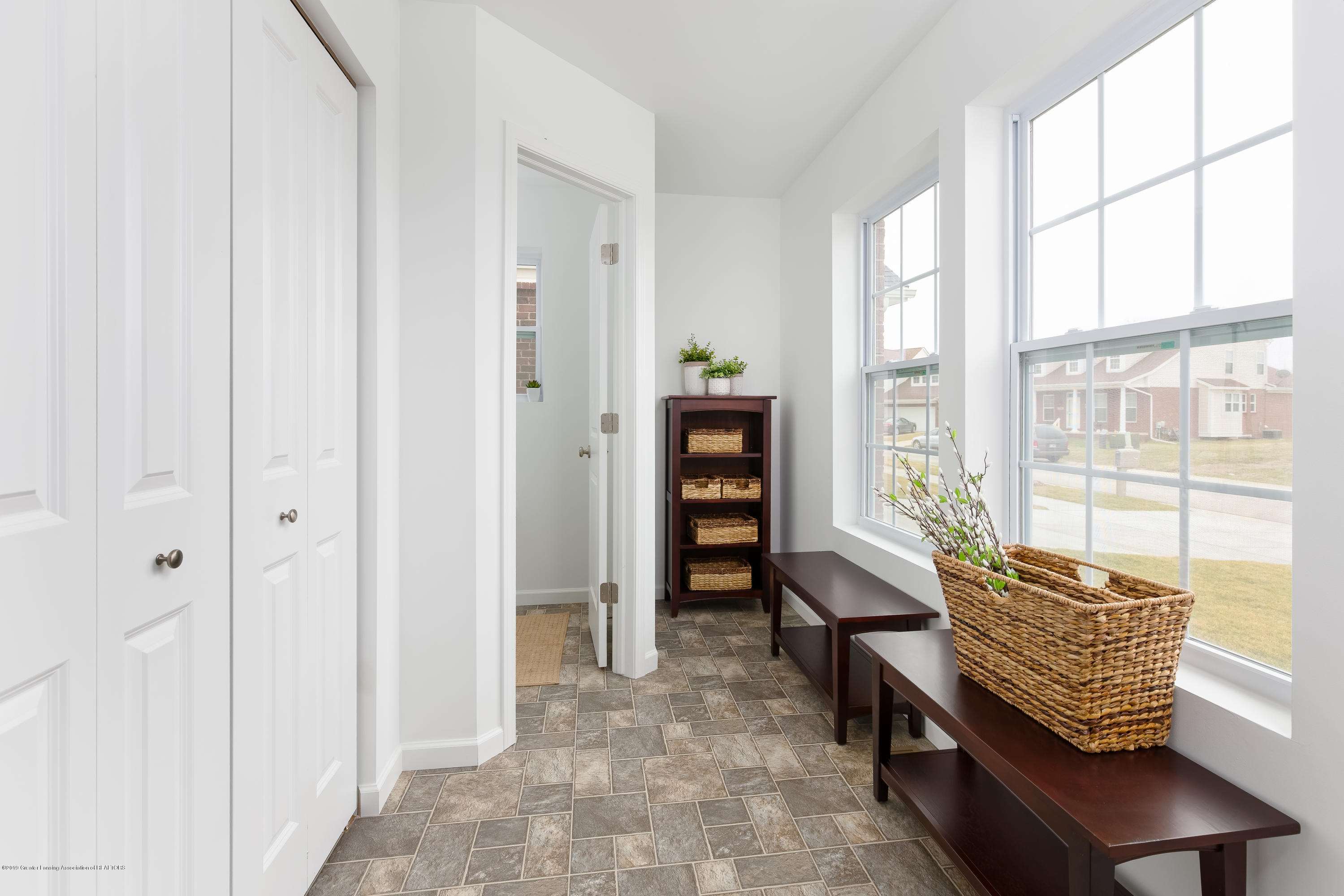 6482 Firefly Dr - Entry TSP077-E2070-Staged-8 - 6