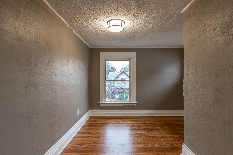 906 N Sycamore St - Bedroom 2 - 16