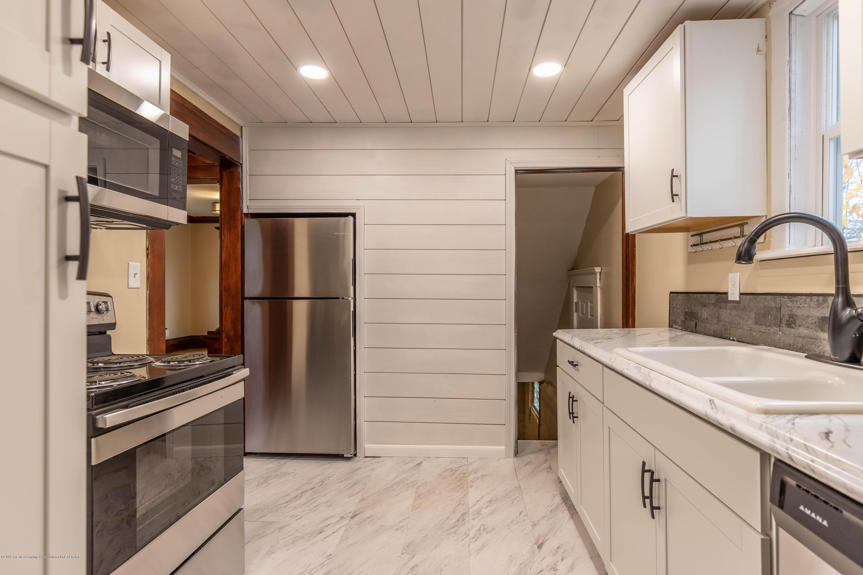 906 N Sycamore St - Kitchen - 5
