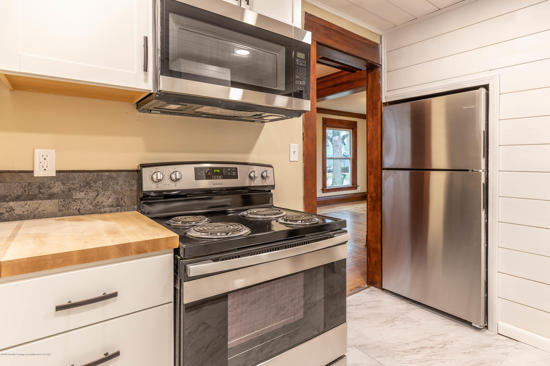 906 N Sycamore St - Kitchen - 4