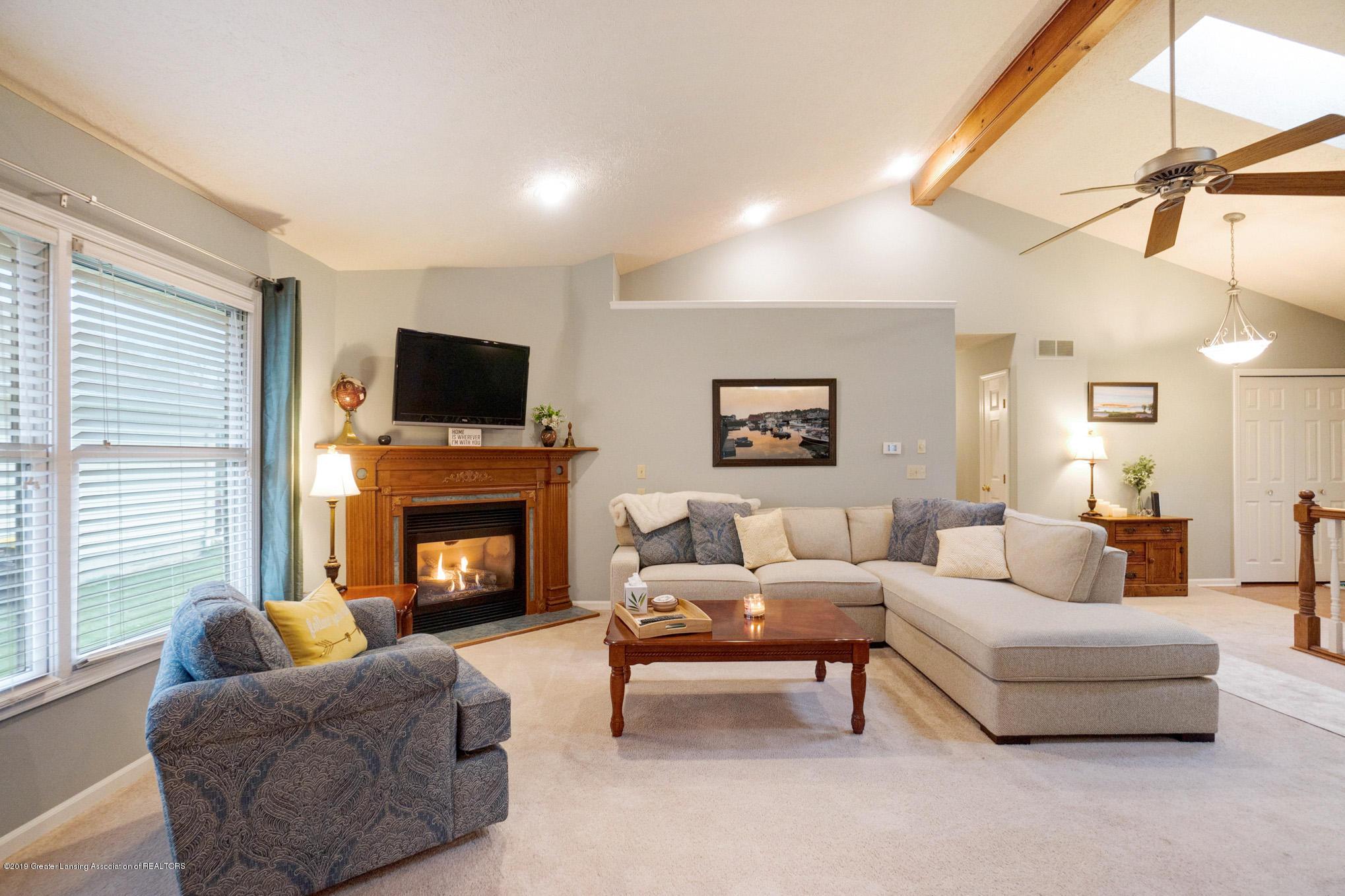 2540 Cunningham Dr - Living Room - 7