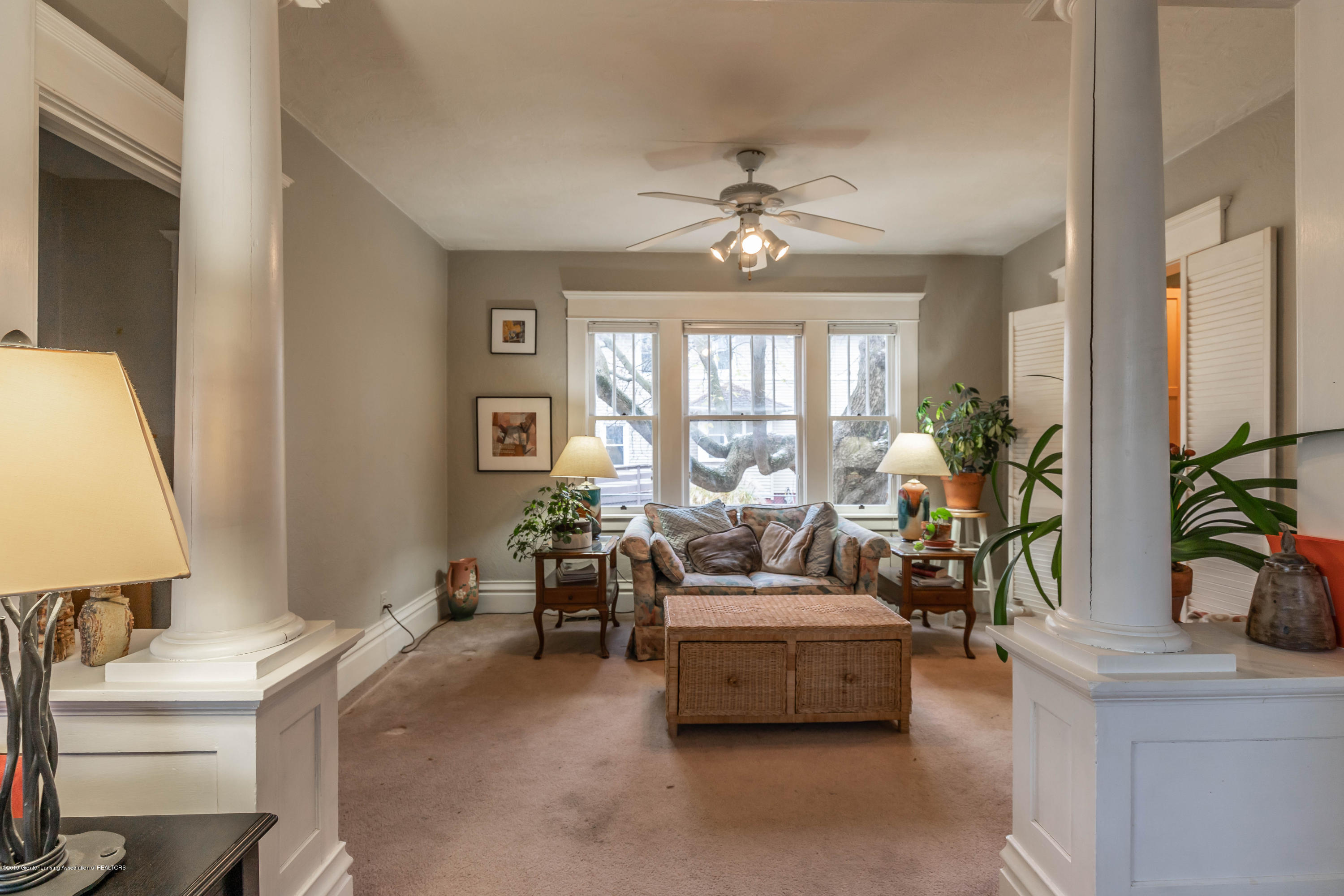 114 S Foster Ave - Living Room - 5
