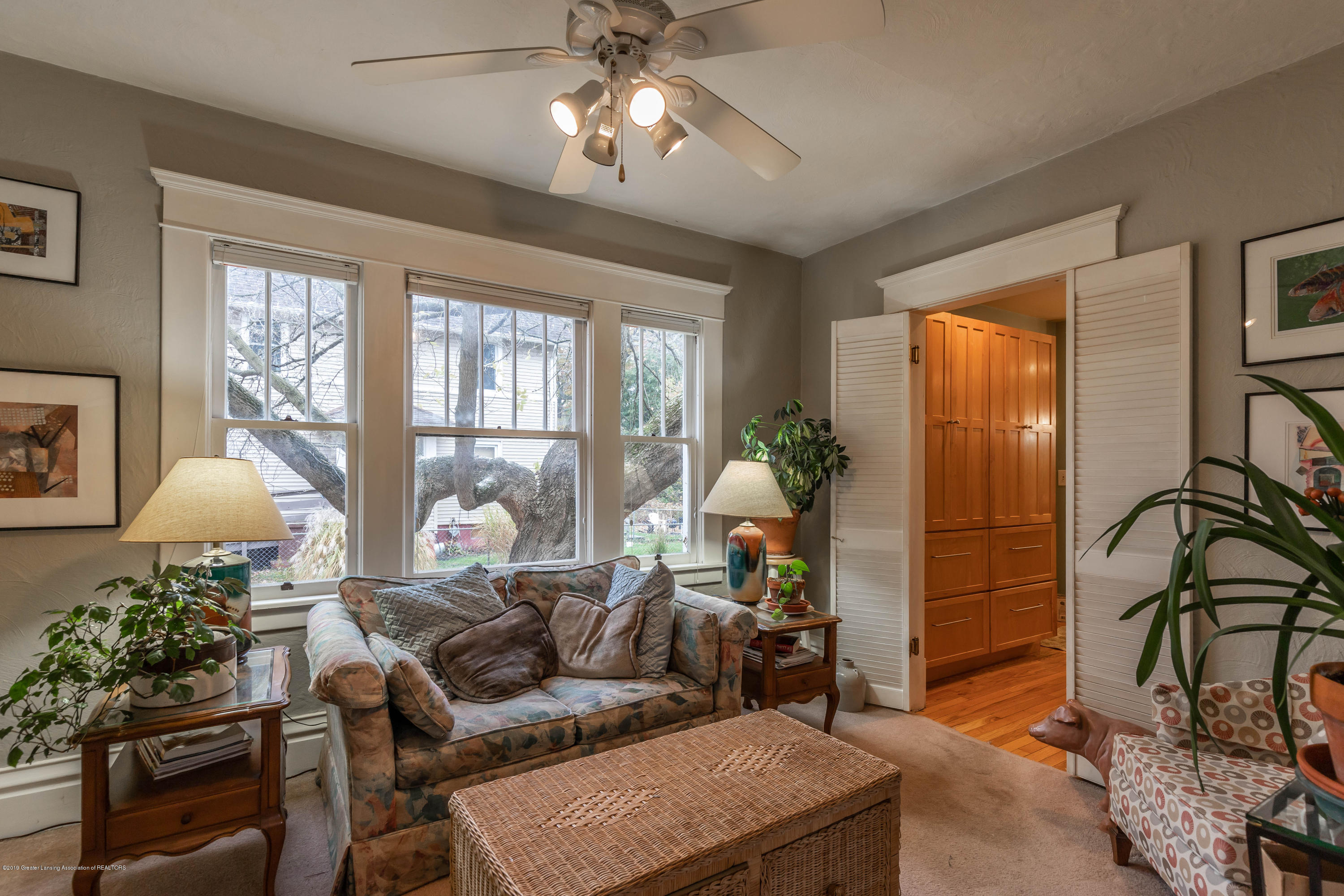 114 S Foster Ave - Parlor - 4