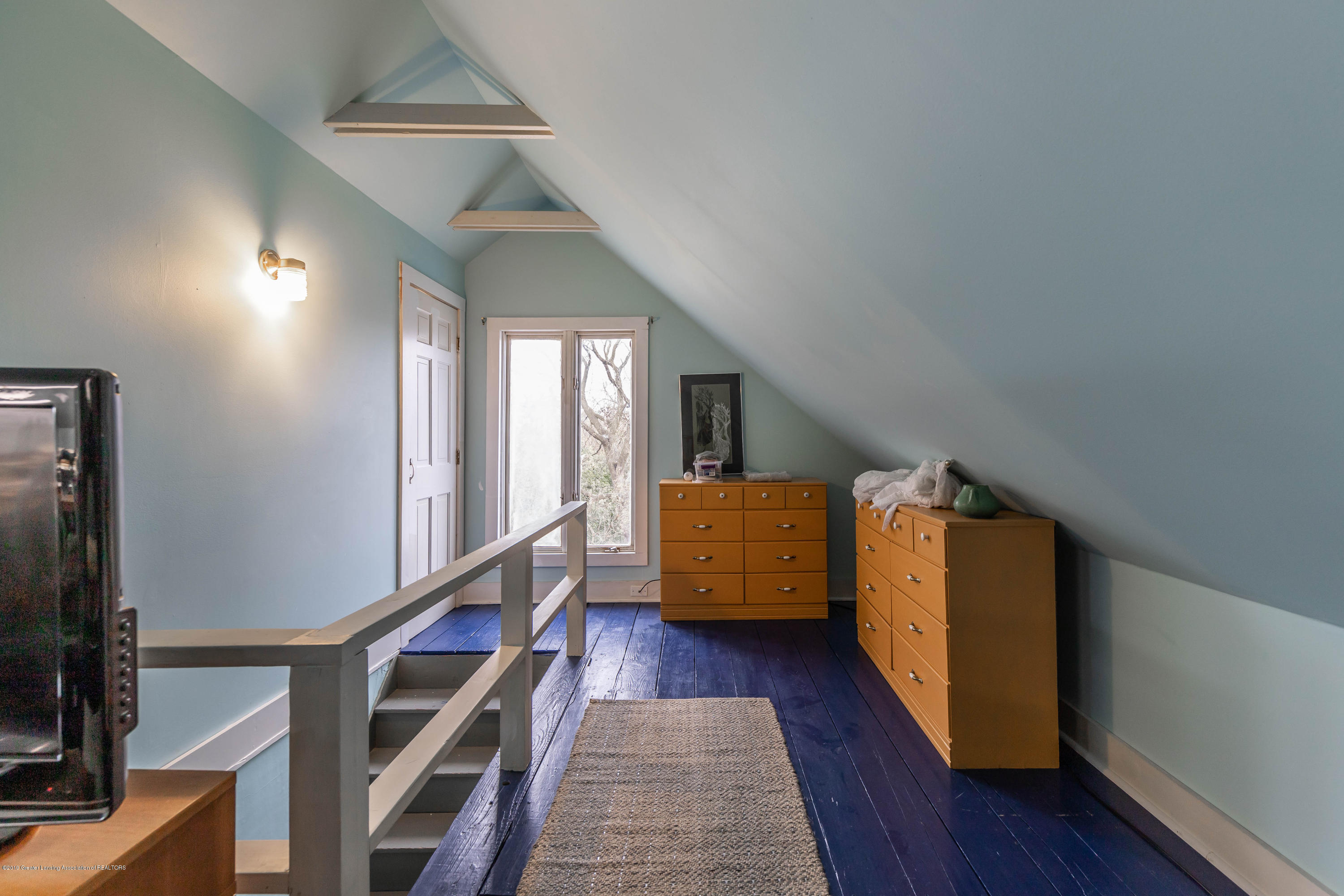 114 S Foster Ave - 3rd Floor - 25