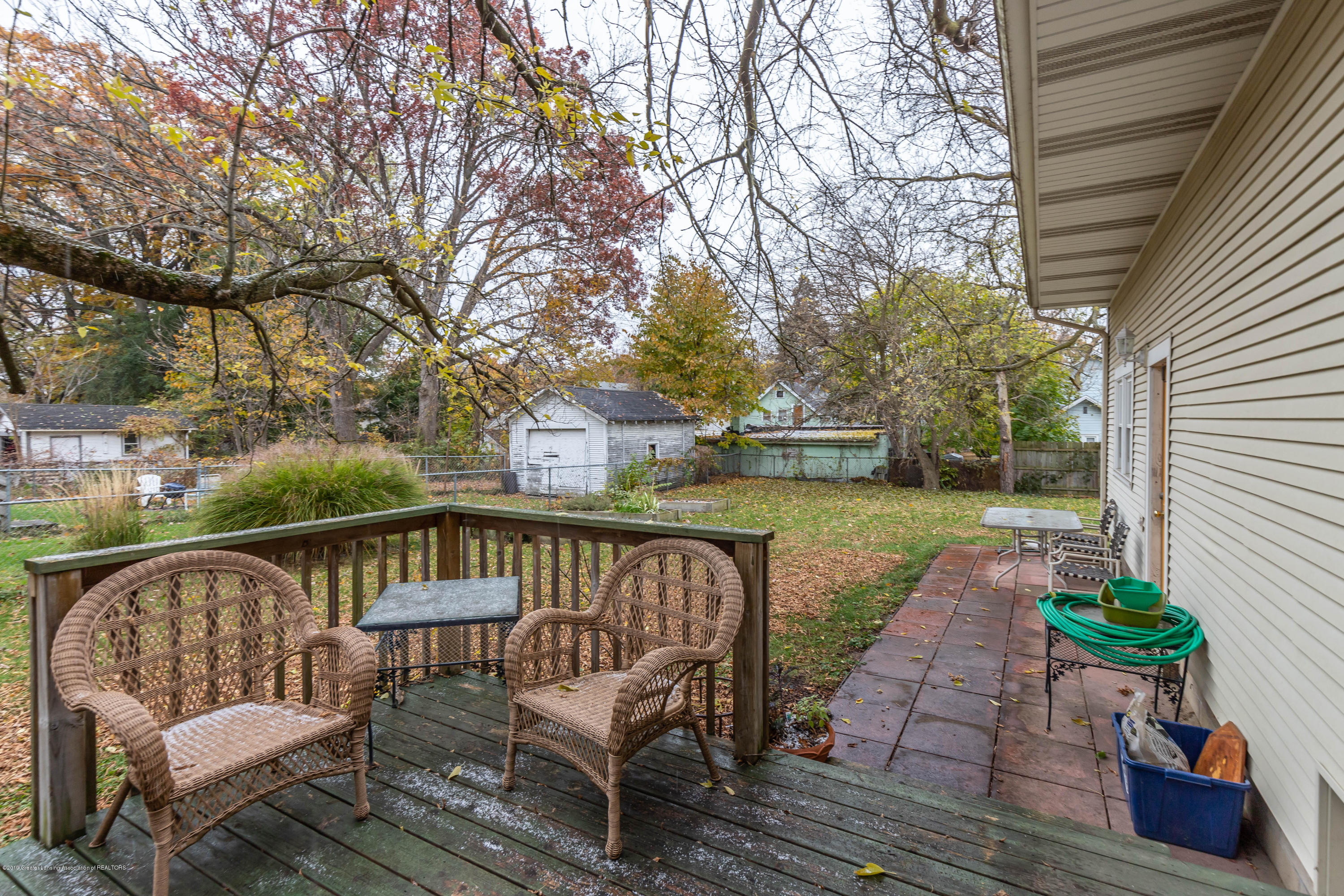 114 S Foster Ave - Deck/Patio - 30
