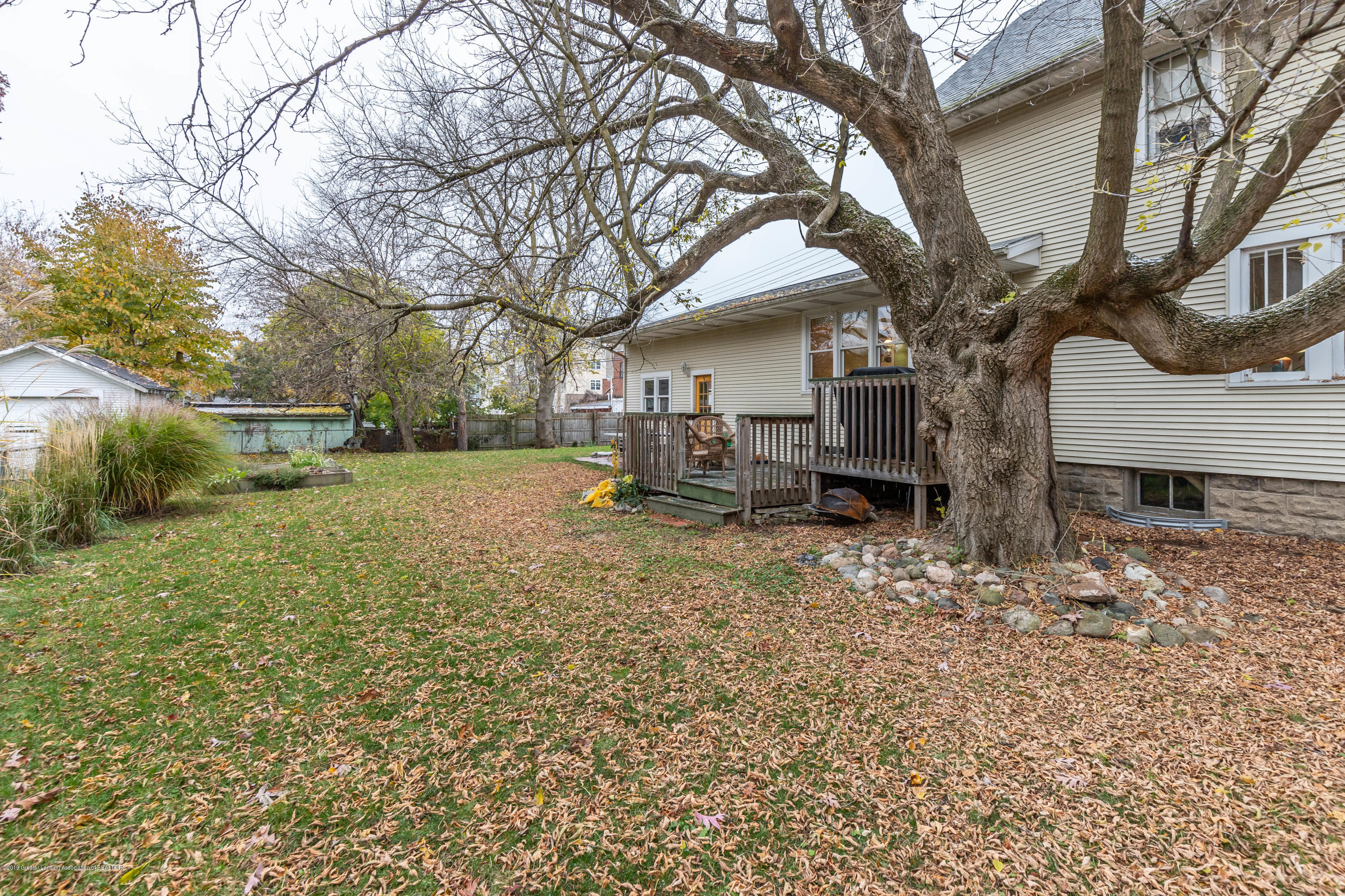 114 S Foster Ave - Yard - 31