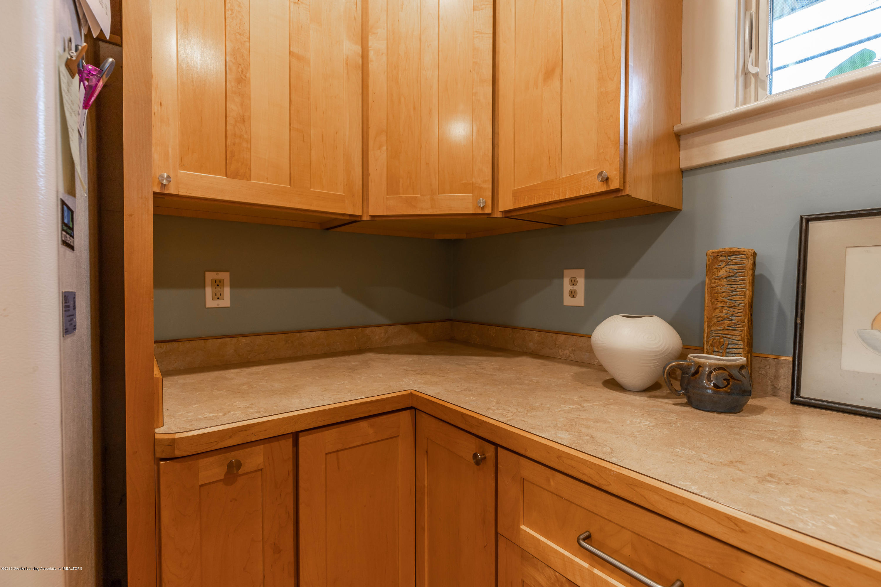 114 S Foster Ave - Kitchen - 16