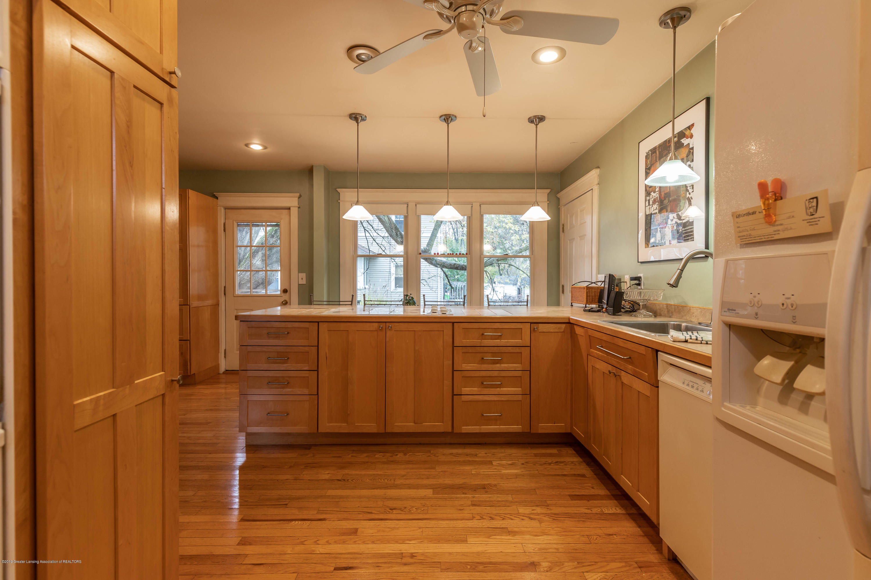 114 S Foster Ave - Kitchen - 14