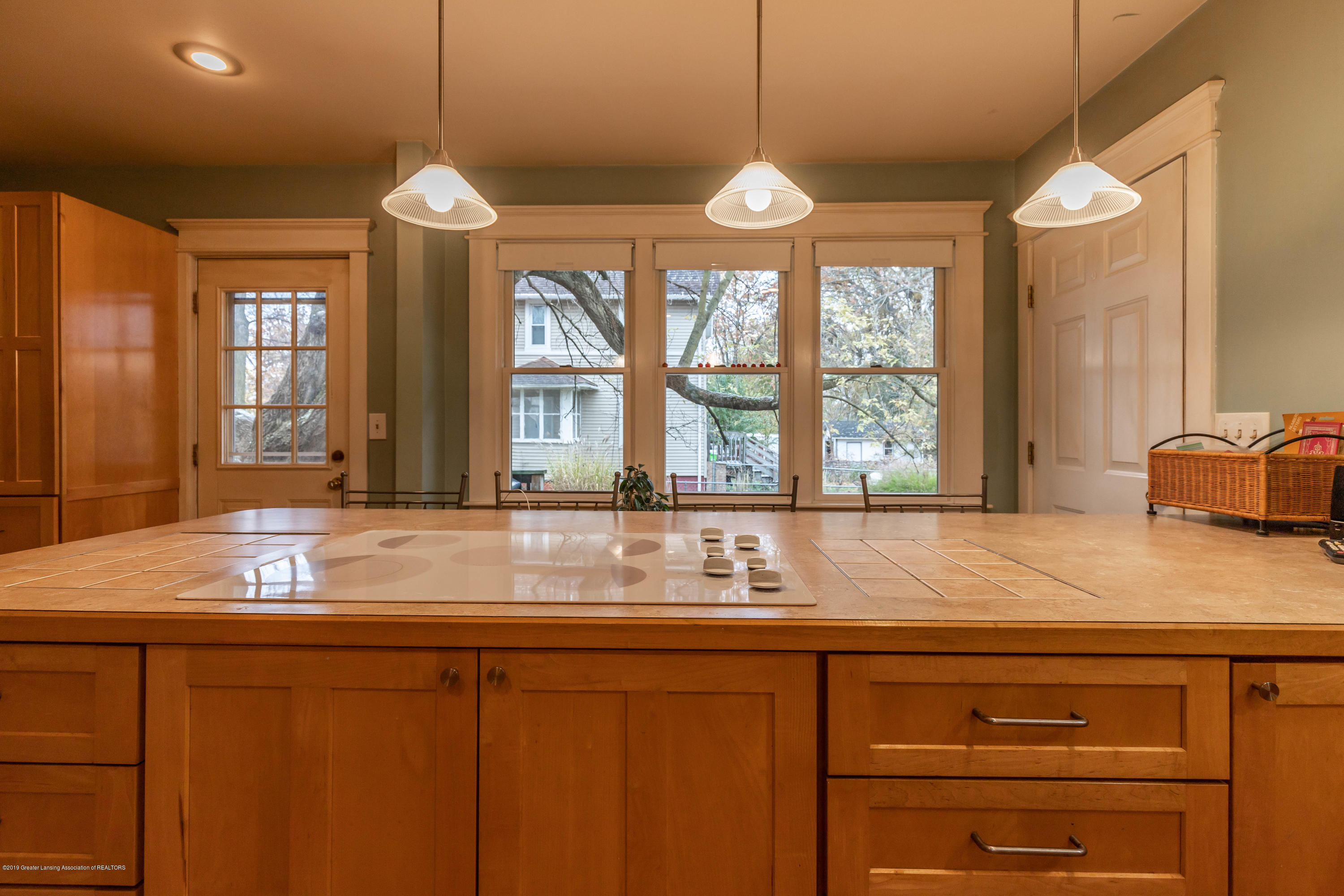 114 S Foster Ave - Kitchen - 13