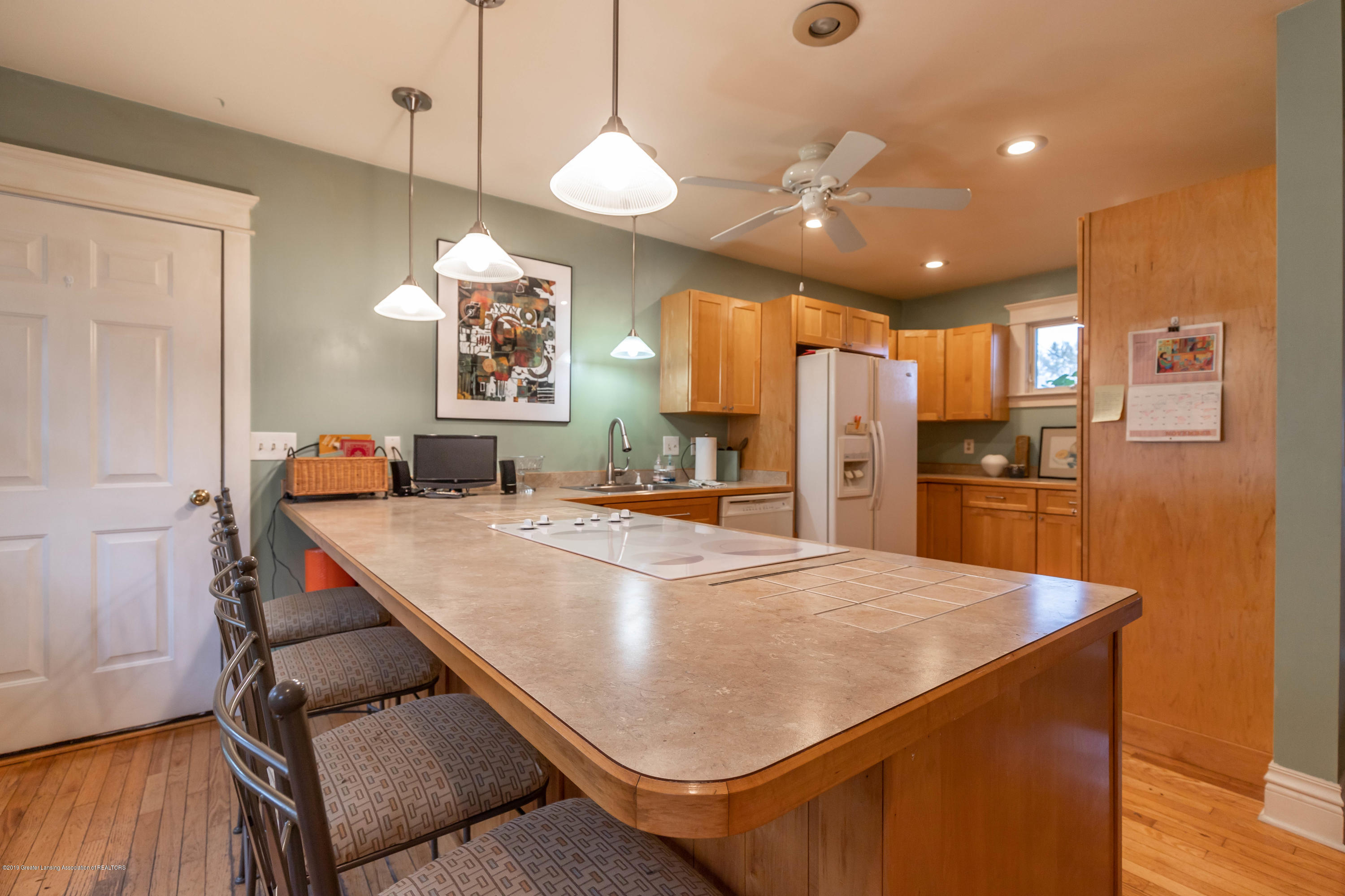 114 S Foster Ave - Kitchen - 15