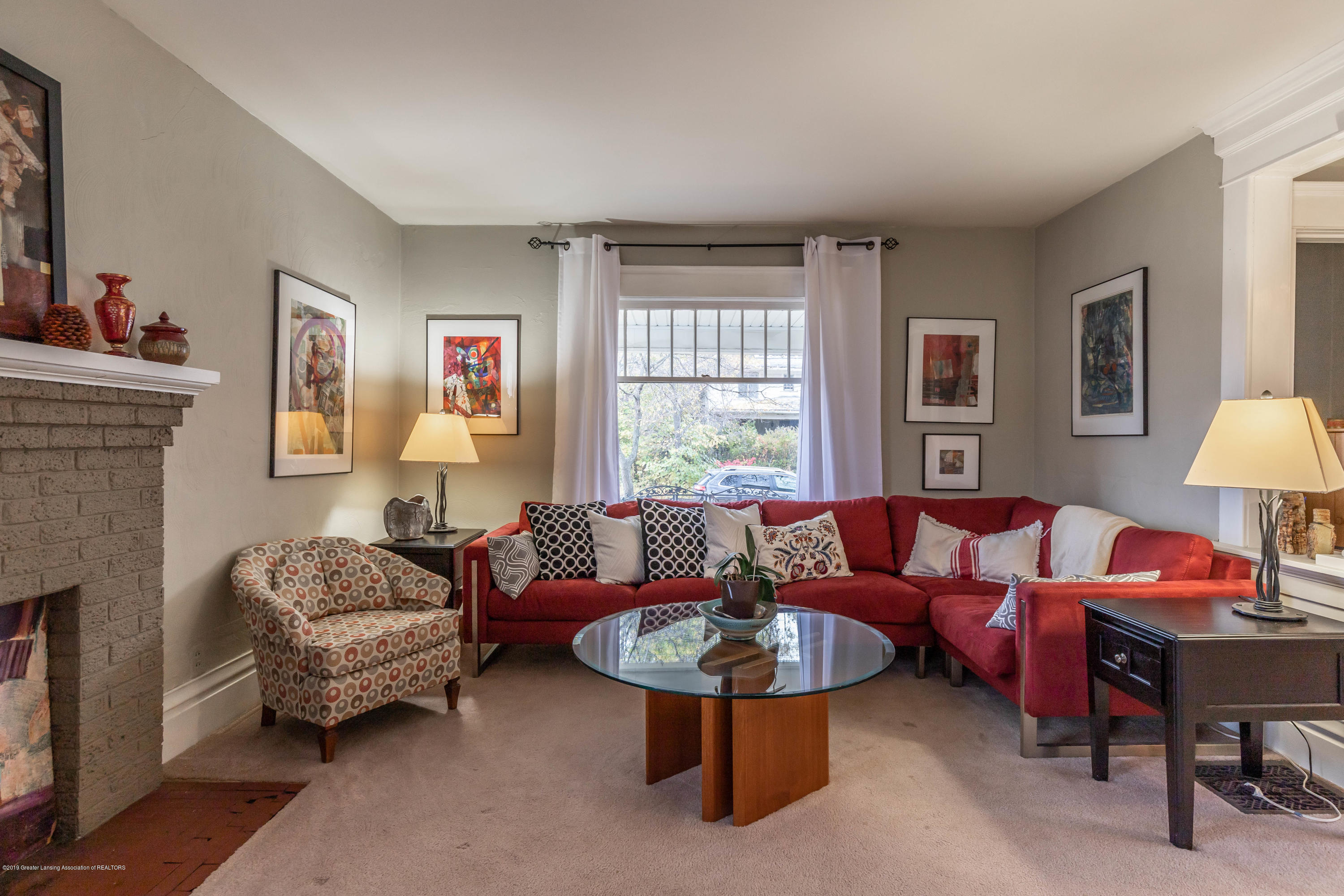 114 S Foster Ave - Living Room - 7