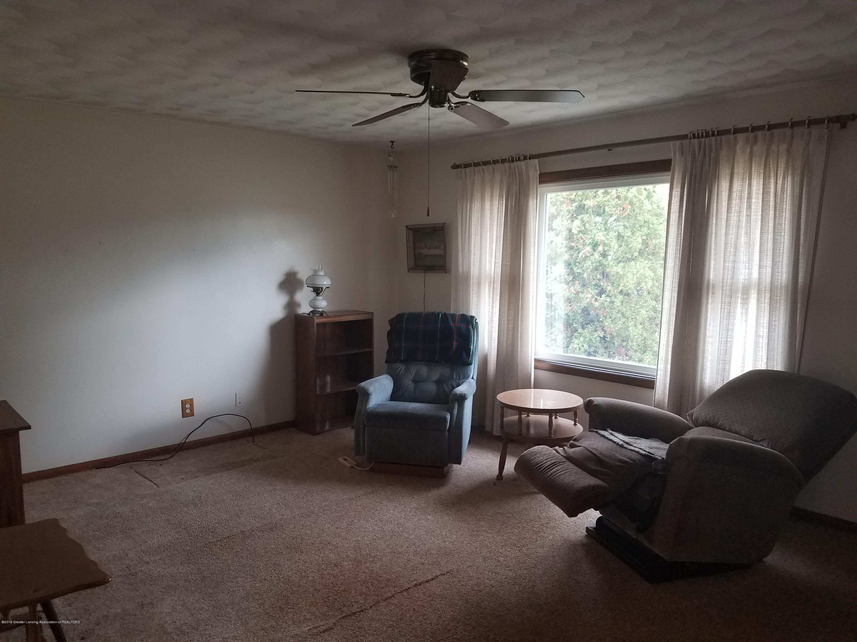 1013 E Walker St - Living Room - 3