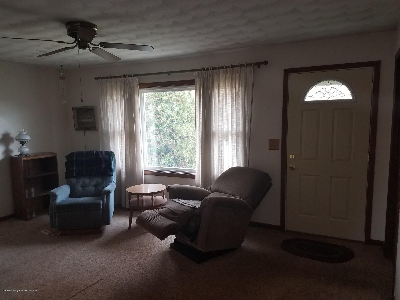 1013 E Walker St - Living Room - 2