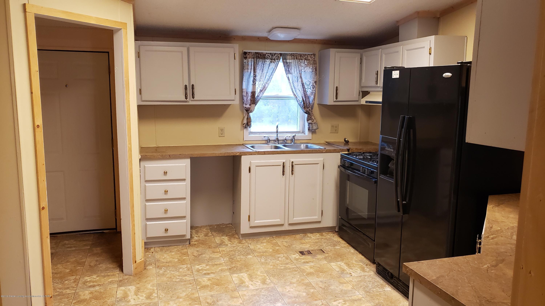 16990 Towar Ave - Kitchen - 11