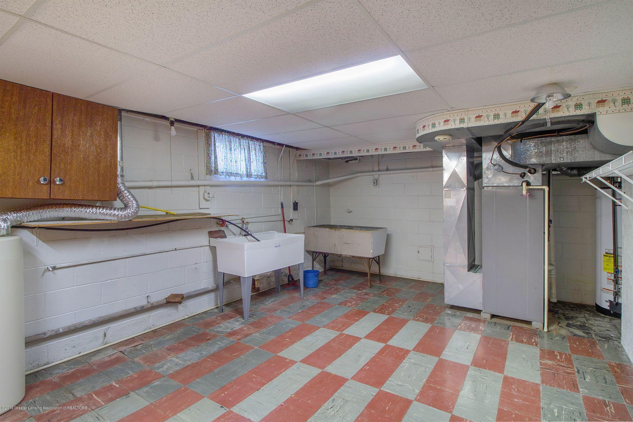 240 Holmes St - basement - 37