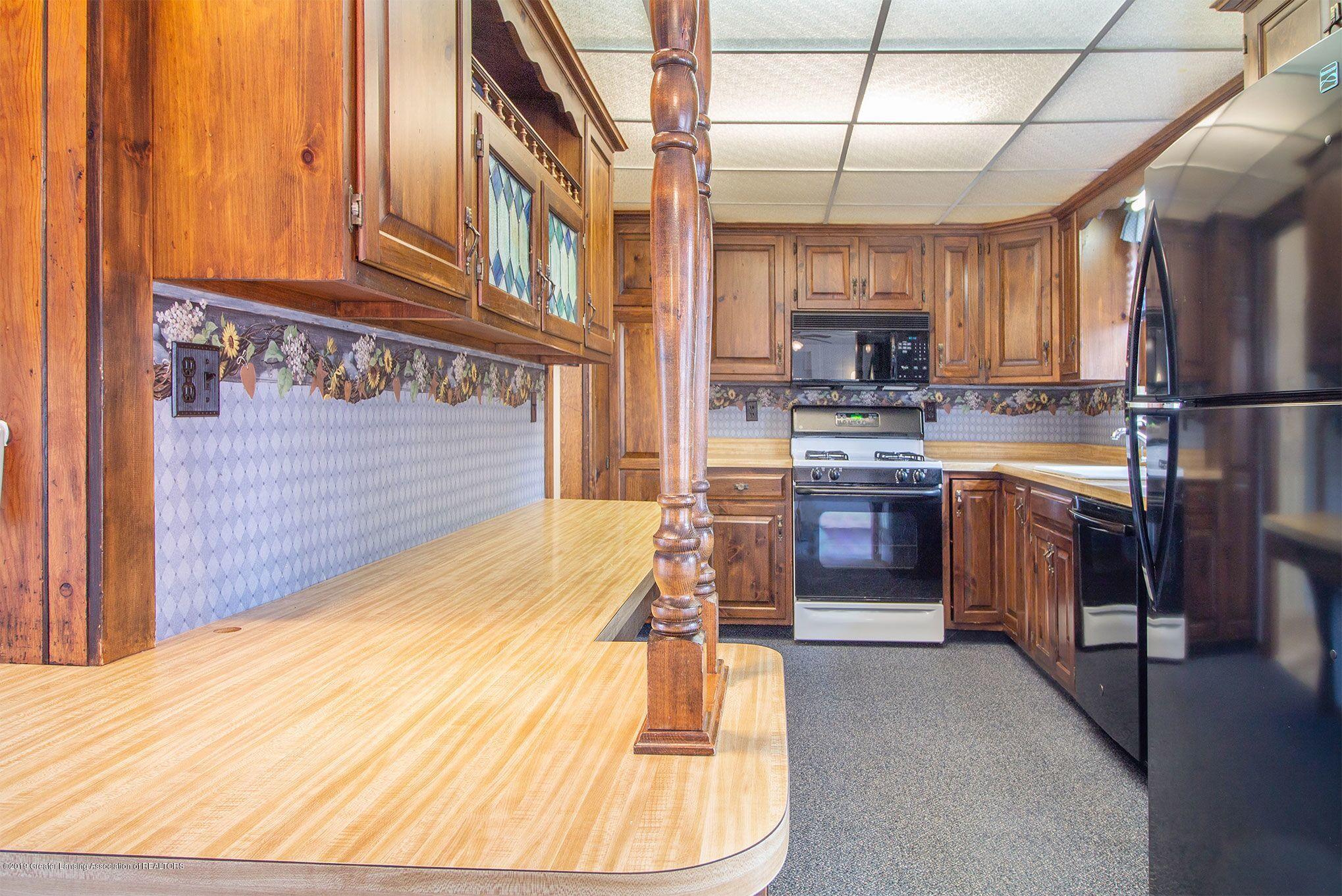 240 Holmes St - kitchen - 16