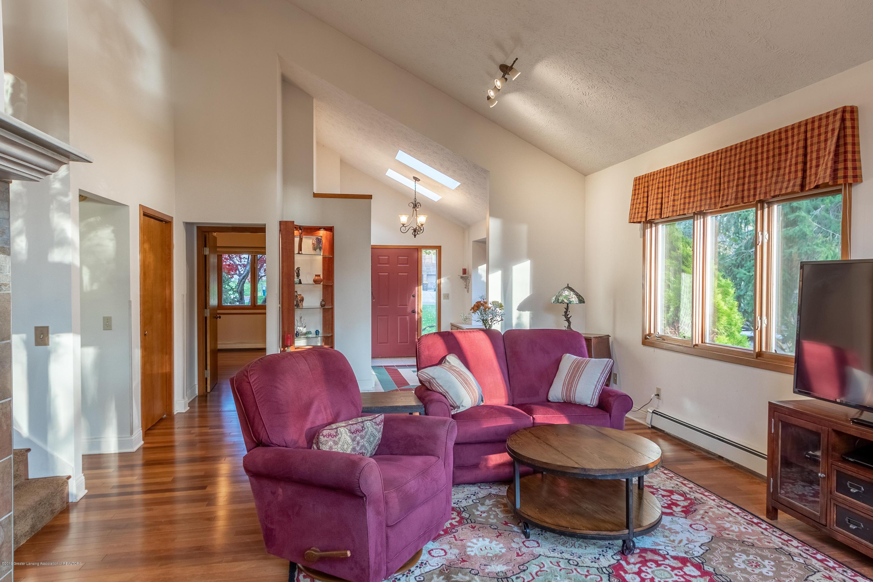 604 E Geneva Dr - Living Room - 18