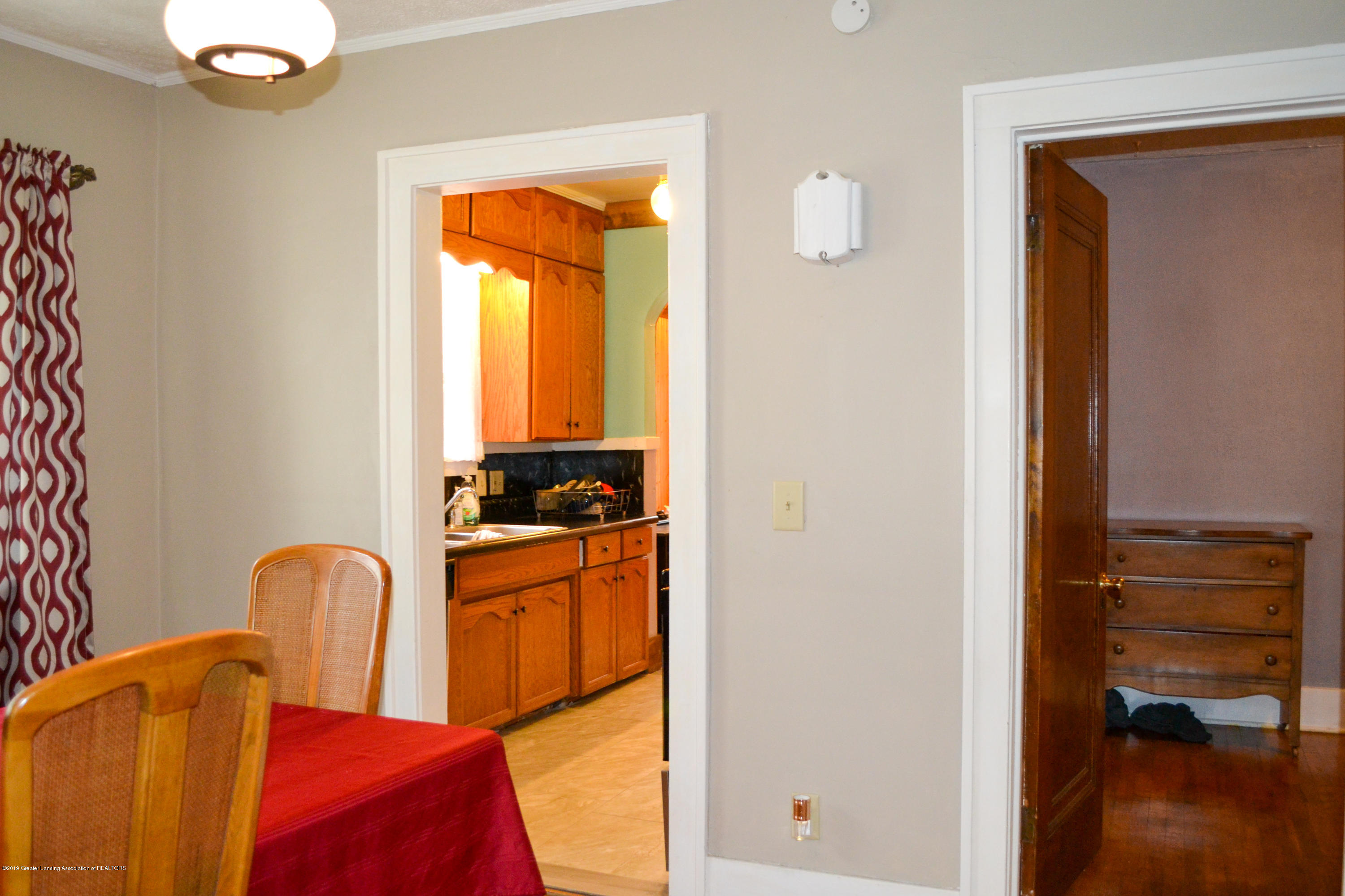 1232 Climax St - Dining Room to Kitchen view - 9