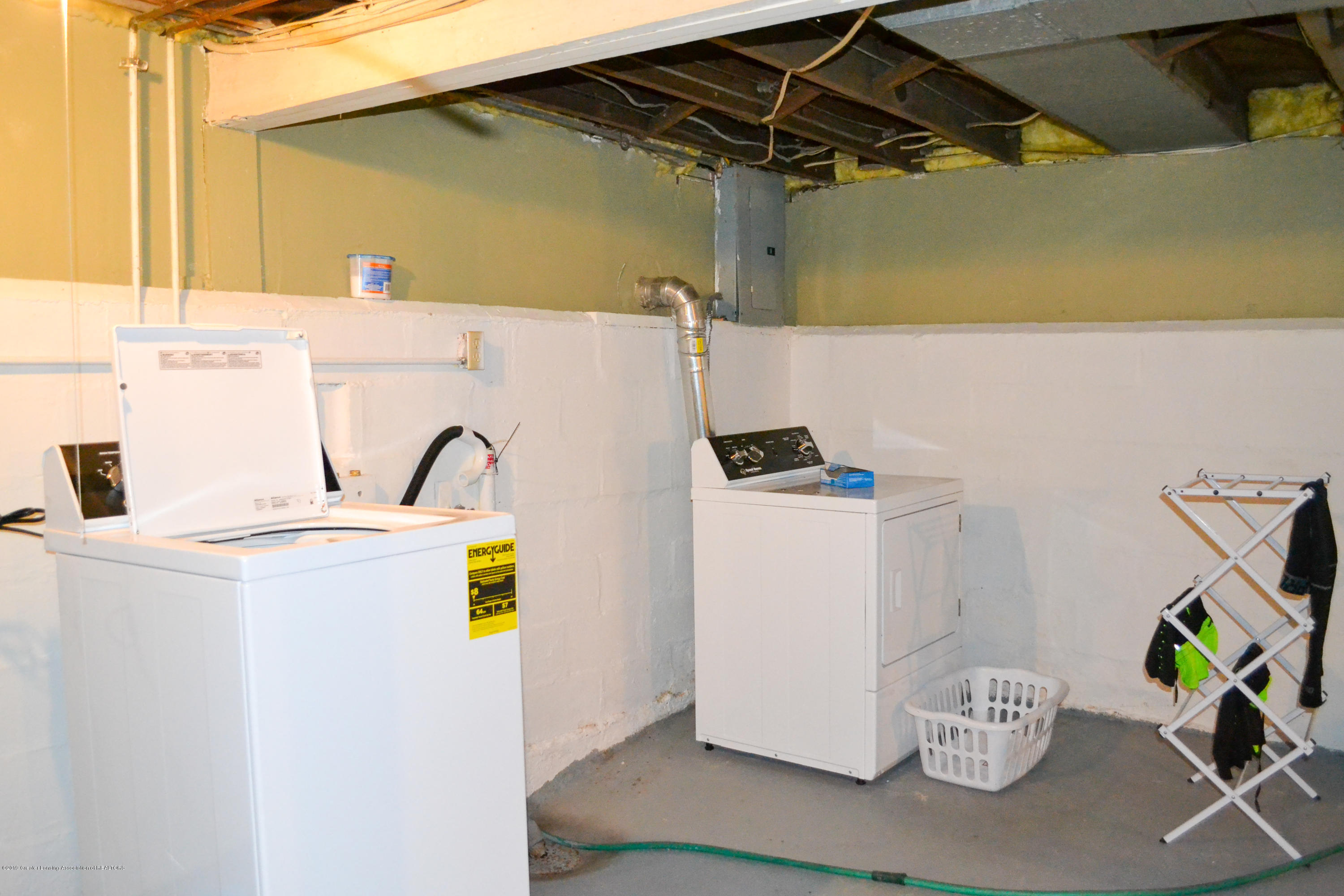 1232 Climax St - Laundry Area - 14