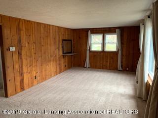 6172 Porter Ave - living room - 16