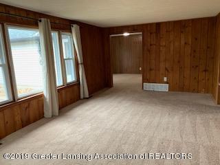 6172 Porter Ave - living room - 17