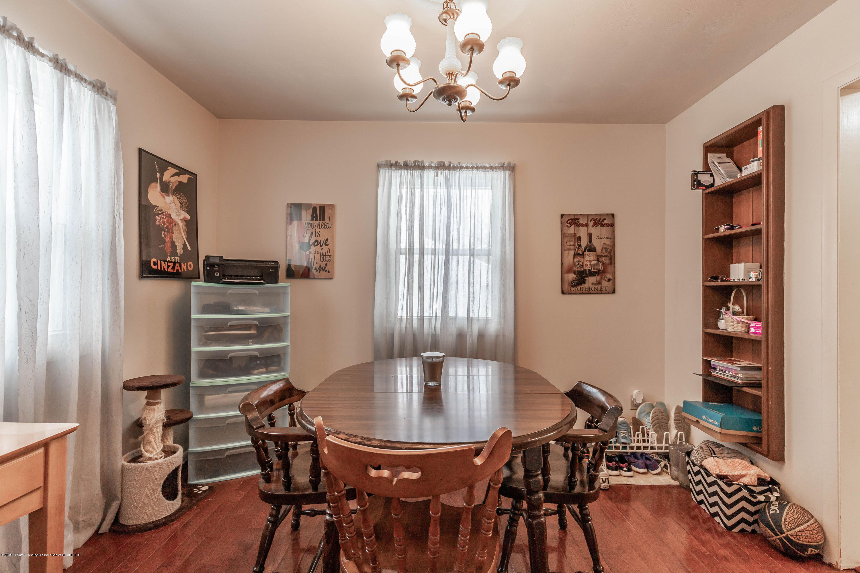 2409 Victor Ave - victordining(1of1) - 16