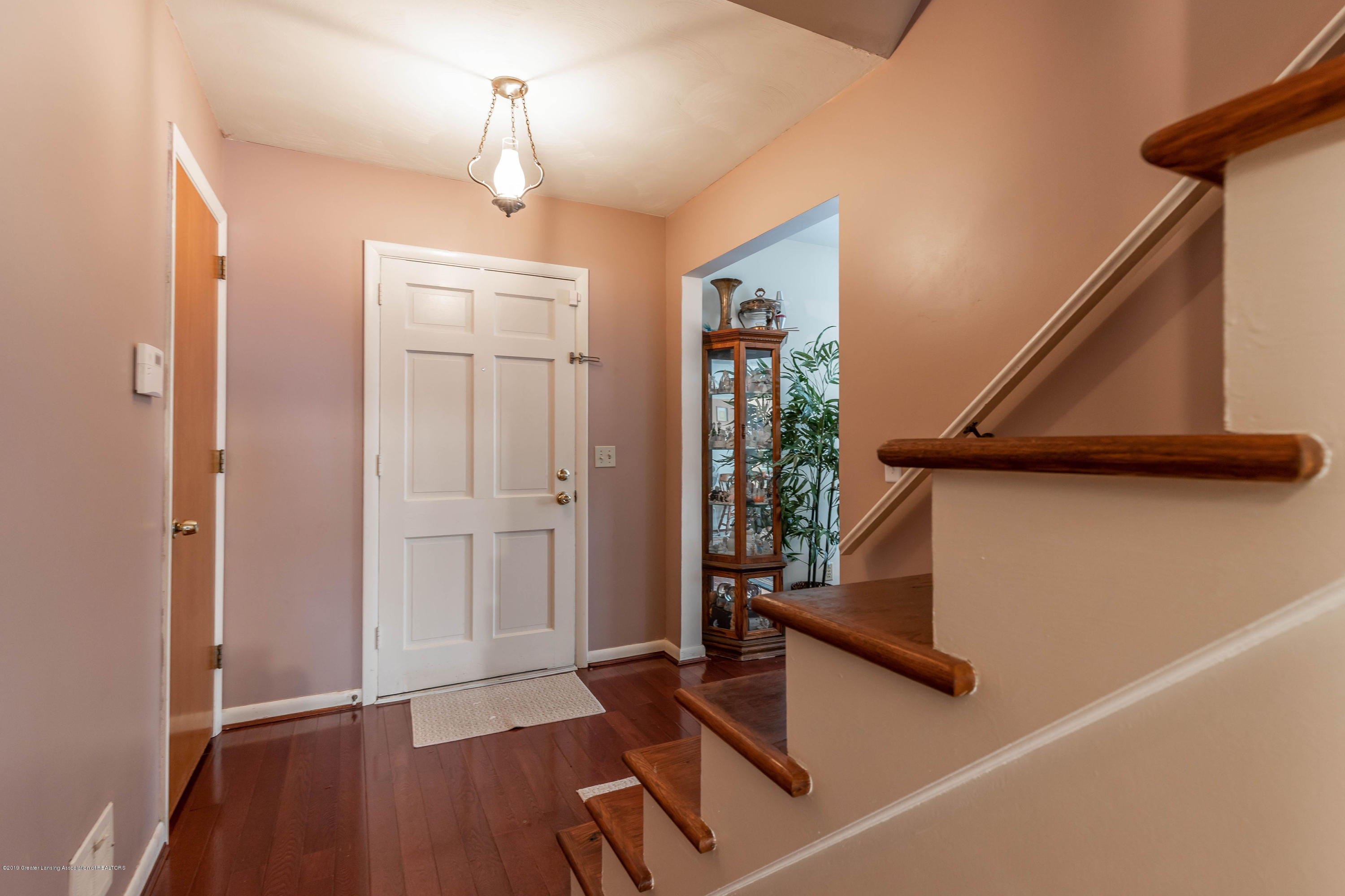 2409 Victor Ave - victorfoyer2(1of1) - 21