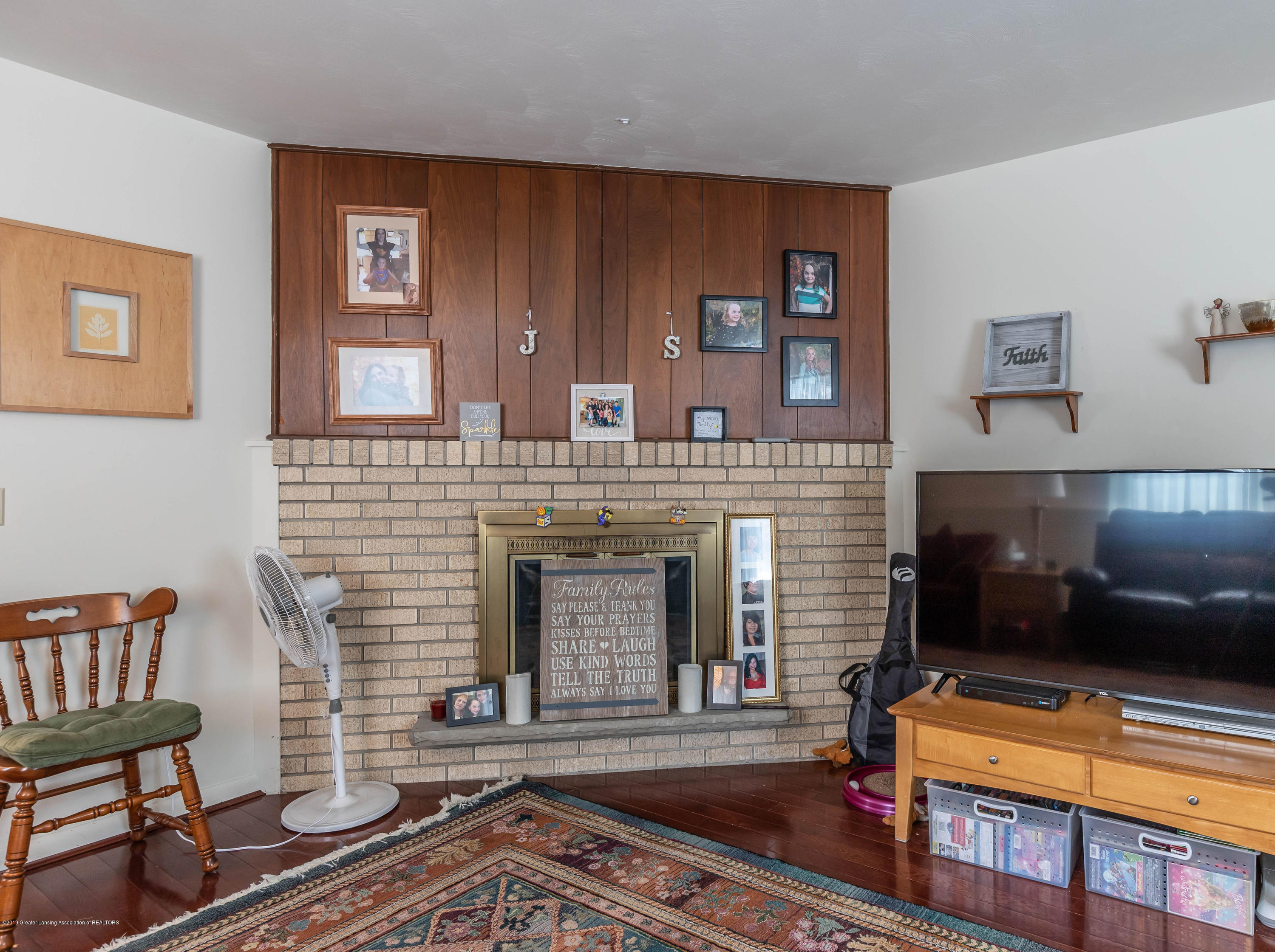 2409 Victor Ave - victorliving2(1of1) - 29