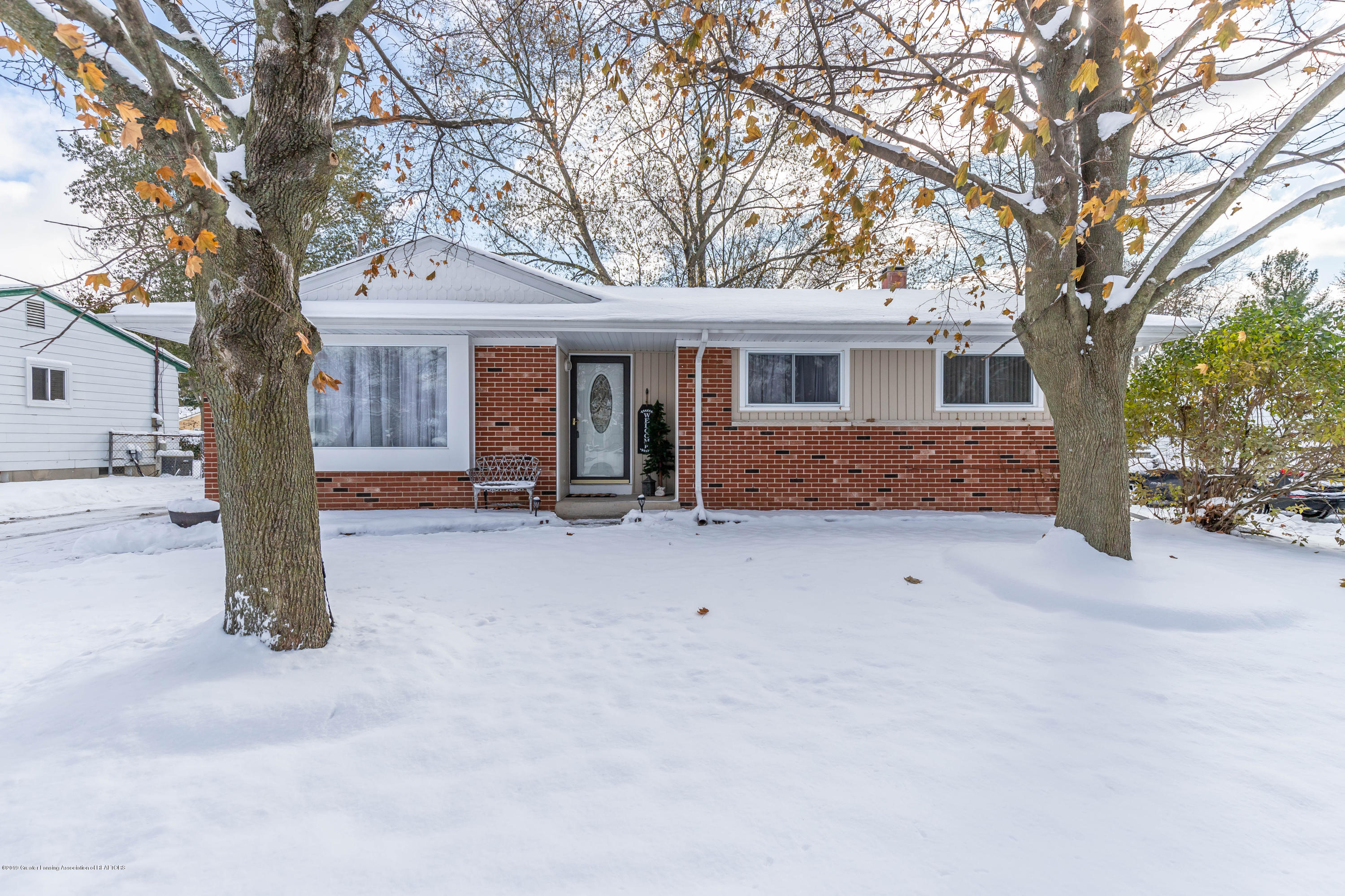 4385 Doncaster Ave - doncasterfront2 (1 of 1) - 1